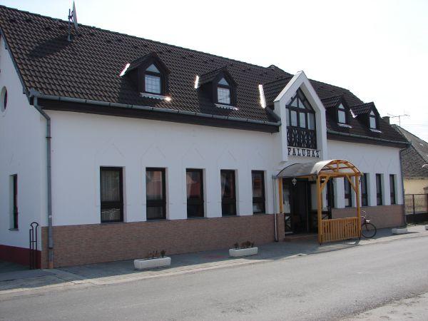 Dunaszentbenedeki Faluház